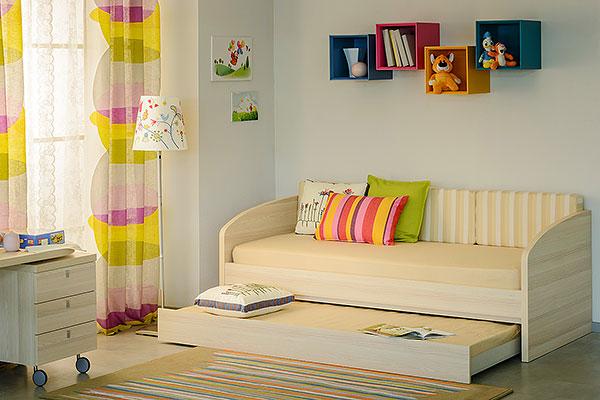 Двуспальная кровать с выдвижной секцией