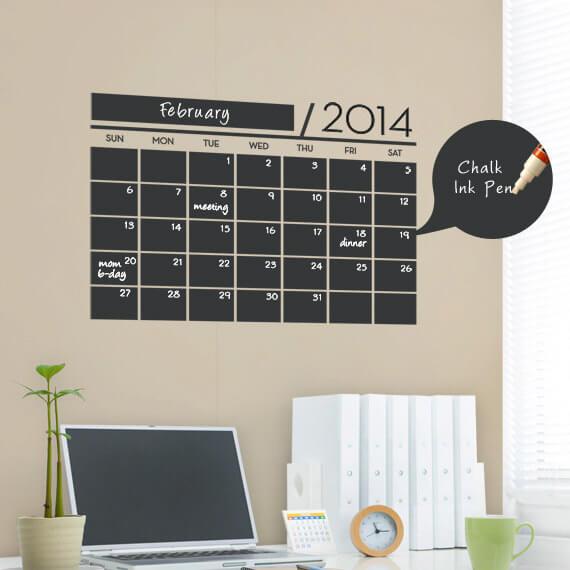Стильная меловая доска-календарь