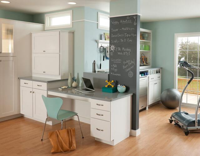 Меловая доска позволяет превратить небольшие архитектурные изъяны в большие преимущества интерьера