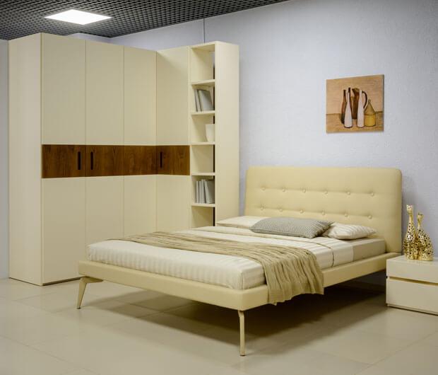 Стильная мебель для спальни в бежевых тонах