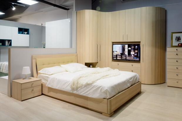 Спальный гарнитур с мягкой кроватью