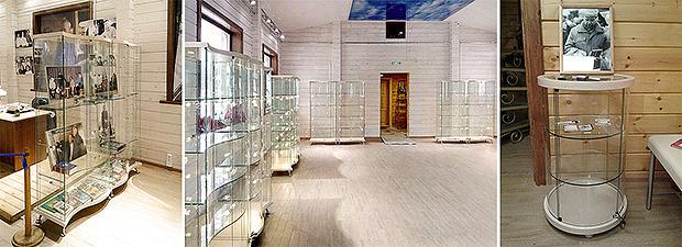 Стеклянные витрины в музее В. Г. Распутина (г. Иркутск)